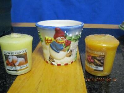 1 x YANKEE CANDLE SNOWMEN SKATER VOTIVE HOLDER AND 2 FREE VOTIVE CANDLES