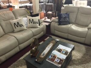 COUCHES, SECTIONALS.. FROM CLEARANCE TO CUSTOM @KINGS BARRIE