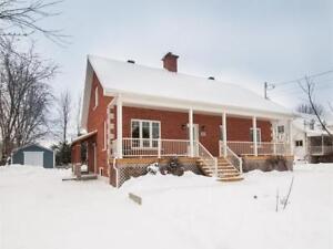 Maison Familiale a vendre - Excellent prix!!