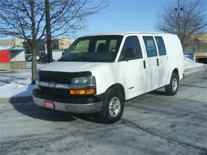 2005 Chevrolet Express 2500 / DUAL DOORS / HEAVY DUTY