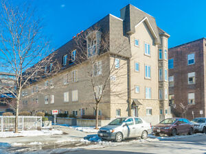 Exclusive Listing!  3 Bed 2 Bath Townhouse In Davenport Village