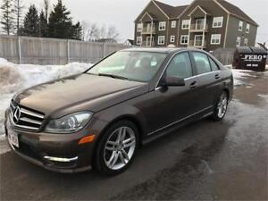 2014 Mercedes-Benz  C 300  - AWD -  PANORAMIC ROOF - 38,000 KMS.