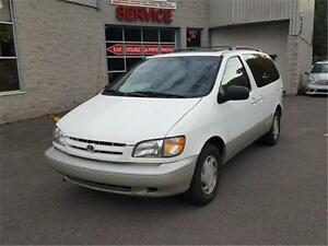 1999 Toyota Sienna XLE CUIR TOIT MAGS