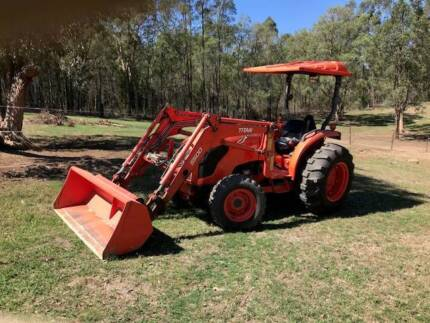 Kubota Tractor MX 5100 (as new)