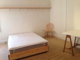 Huge bedroom in city centre 3 bedroom flat