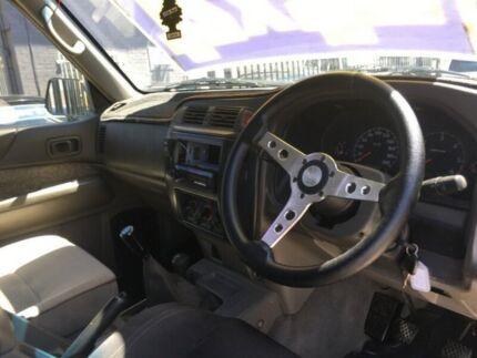 1999 Nissan Patrol GU ST (4x4) 5 Speed Manual 4x4 Wagon