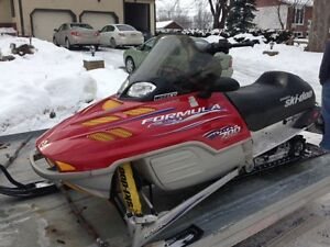 2001 Skidoo Formula Deluxe 700 -COMPLETE PART OUT