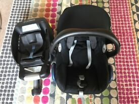 Maxi-Cosi (Group 0+) with Isofix base included