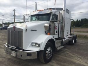 Kenworth T-800 with 500 HP Cummins ISX Engine