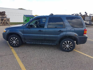 2005 Ford Escape SUV, Crossover Kitchener / Waterloo Kitchener Area image 2