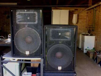 "JBL:PA SPEAKER Two x 15""2WAY System Unpowered"