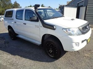 2011 Toyota Hilux KUN26R MY11 Upgrade SR (4x4) White 4 Speed Automatic Dual Cab Pick-up Sandgate Newcastle Area Preview