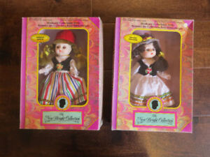 17 Vintage Nationality Sleeping Dolls in original boxes