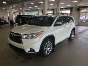 2016 Toyota Highlander XLE V6 8pass/Trade IN Your Reindeer FOR T