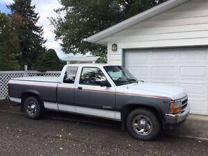 1994 Dodge Dakota V8 Pickup Truck