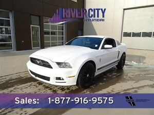 2014 Ford Mustang 3.7L PREMIUM Navigation (GPS),  Leather,  Heat