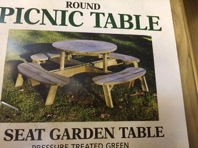 Seater Round Picnic Table In Hull East Yorkshire Gumtree - 8 seater round picnic table
