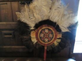 LARGE ANTIQUE AFRICAN OSTRICH FEATHER FAN