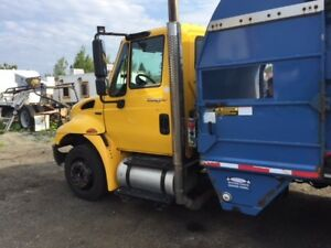 2010 International Garbage truck