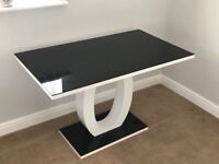 Dining Table - Seats 4 - Black Glass - White Gloss - Modern Contemporary Stylish