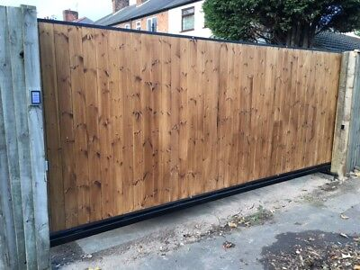 CANTILEVER WOODEN SLIDING GATE AUTOMATED UP TO 12FT Opening