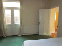 LAGE DOUBLE ROOM, ALL INCLUSIVE - AVAILABLE NOW, COUPLES ACCEPTED
