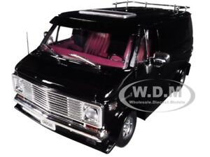 1976 CHEVROLET G-SERIES VAN BLACK LIMITED EDITION 1/18 BY HIGHWAY 61 18002