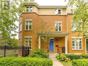 Immaculate Condition Townhome,3Br,4Wr,53 SHAFTESBURY AVE,Toronto