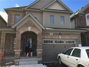 3 bed 2 bath in Alliston. Available Immediately