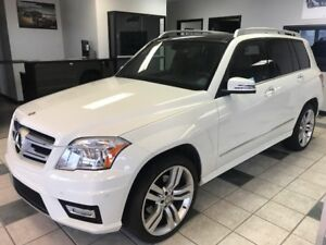 2012 Mercedes-Benz GLK-Class CALGARY'S BEST PRE-OWNED VEHICLE...