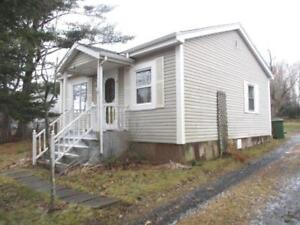18-006 Cozy home close to shops, services and schools. Lwr Sackv