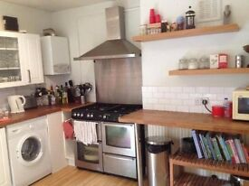2 Bed House in Bernam Road - Finsbury Park N4