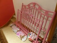 **Metal Pink Heart Single bed frame with option to make into four poster bed*****