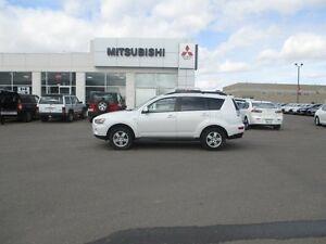 2013 Mitsubishi Outlander ES 4dr 4x4