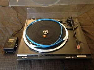 Turntable with pre amp