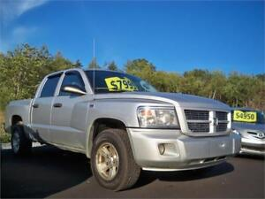 149$ bi weekly oac! 2009 Dodge Dakota SXT 4x4 CREW CAB!