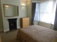 Two double bedroom flat, private garden, close to Hammersmith tube and river, W6 No fees