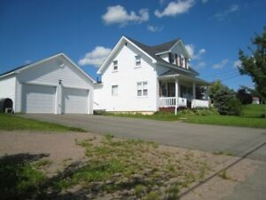 3 Bedroom Home with Beautiful View and Large 2 car Garage