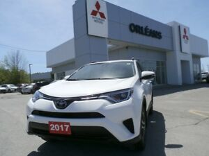 2017 Toyota RAV4 LE **LOWEST PRICE IN OTTAWA ***