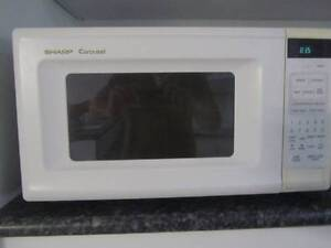 Microwave for sale Gowrie Tuggeranong Preview