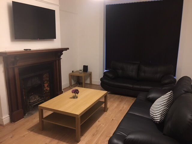 Luxury 8 Bedroom Student House Close to Smithdown Road