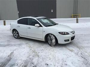 Reduced price 2009 mazda3 leather sunroof heated seats $4995