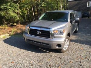 2008 Toyota Tundra Double cab. SR5 Camionnette