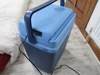Royal 12volt coolbox 20litres volume idael for cooling beer wine or cheese when barbieing