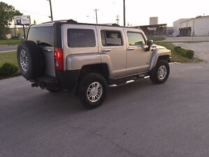 2007 Hummer H3 Chrome Package SUV Navigation, DVD, Bluetooth