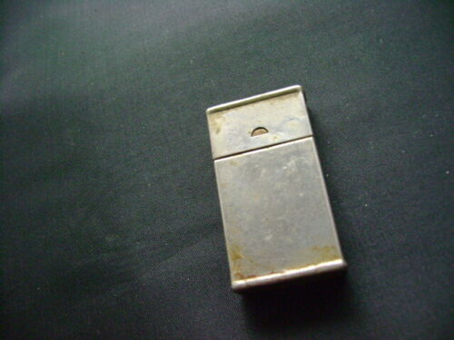 VIETNAM VETERAN MILITARY METAL WEATHER PROOF MATCH BOX  WITH COVER  (2622)