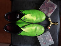 Souliers soccer Addidas US 9 (spikes interchangables)