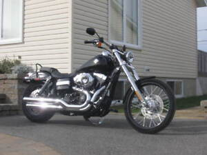 condition A1 harley davidson dyna wide glide 2012 et 16750 km