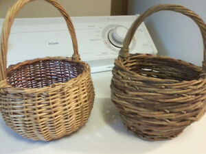 Group of 6 Vintage Baskets London Ontario image 7