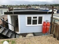 Newly Refurbished Houseboat - Rooster